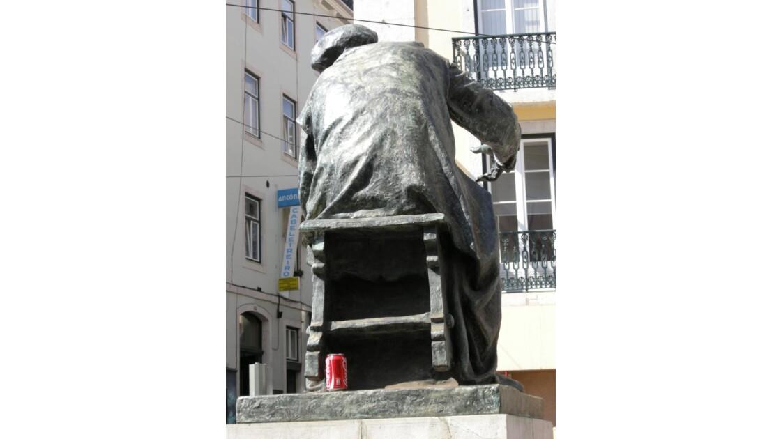 Fernando Pessoa, bronze et coca
