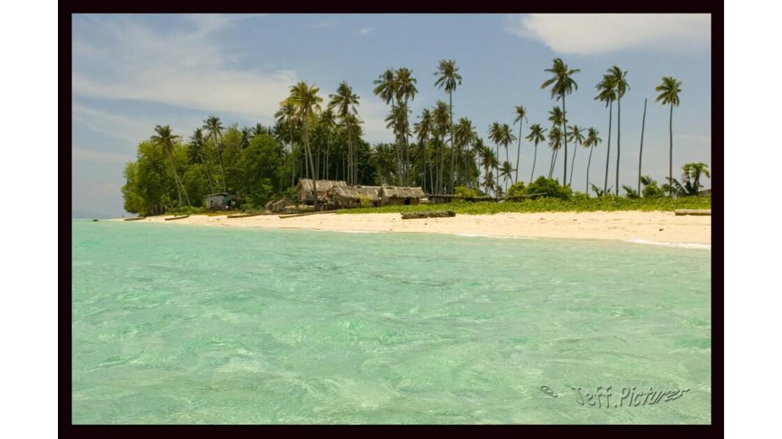 Pulau au large de Semporna N/E - Bornéo