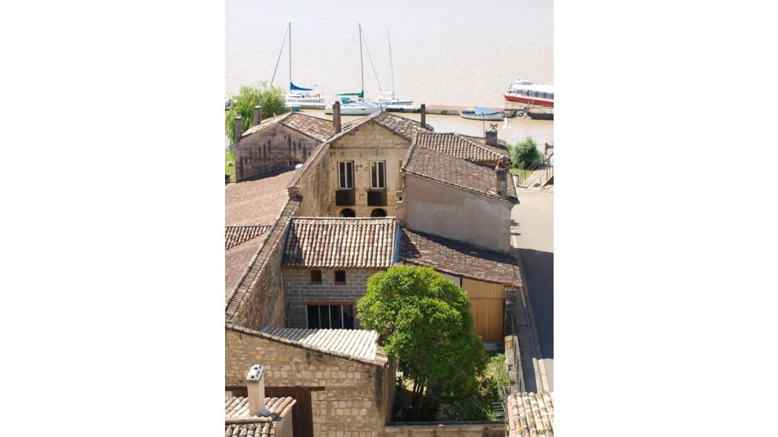 Vue sur la ville basse_P5087661.jpg