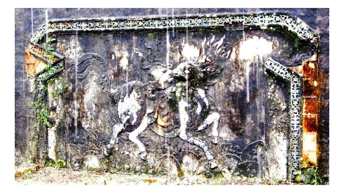 Relief au  mausolée de L'empereur Tu DUC