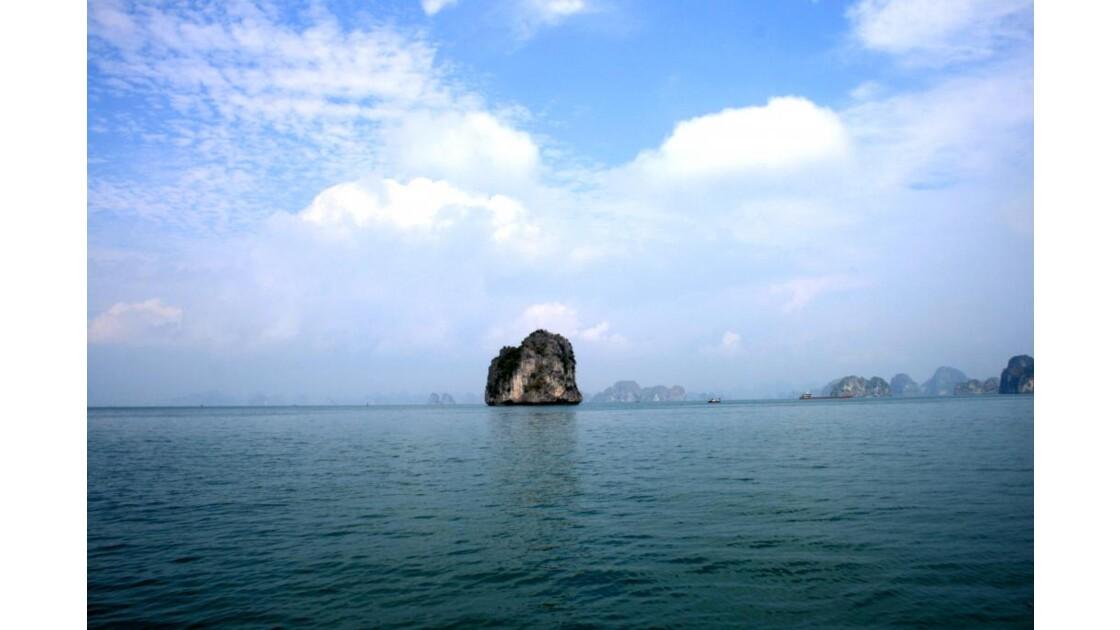 Ile isolée d'Halong