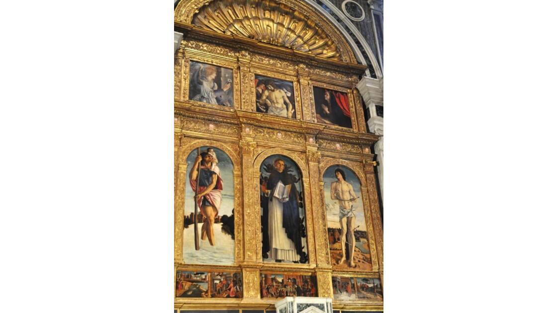 parmi les trésors intérieurs de l'église