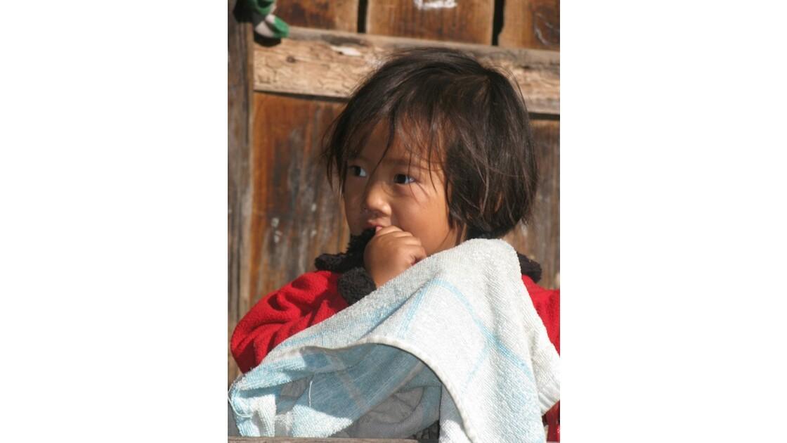 la petite fille Apatani