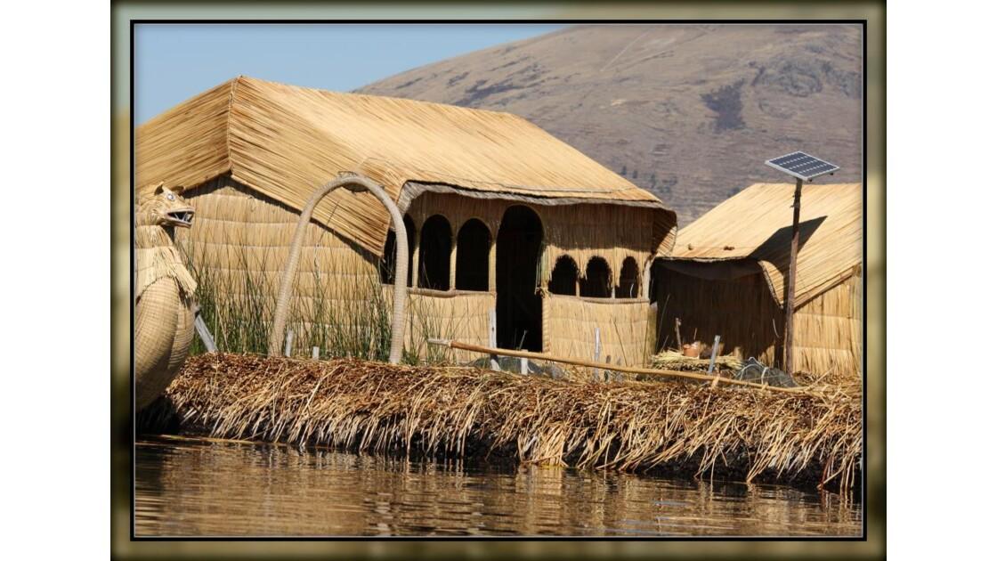 ïles Uros sur lac Titicaca