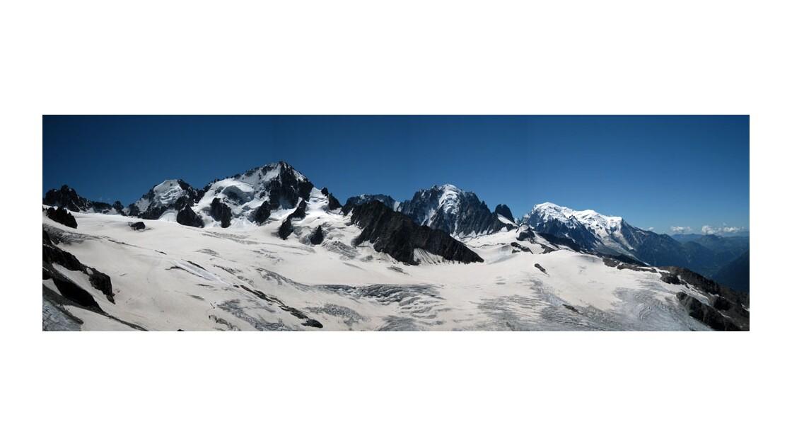 Massif du Mont Blanc panorama