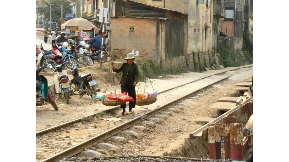 Sur la voie ferrée - Dalat - Vietnam