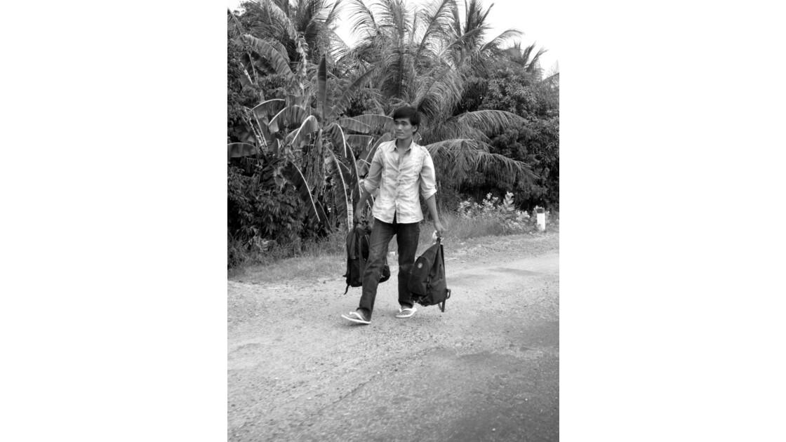 Vers l'arrêt de bus - Viet Nam