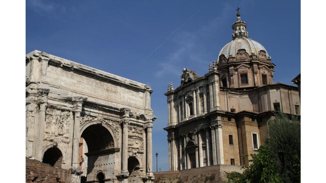"""Rome : monuments ..."""