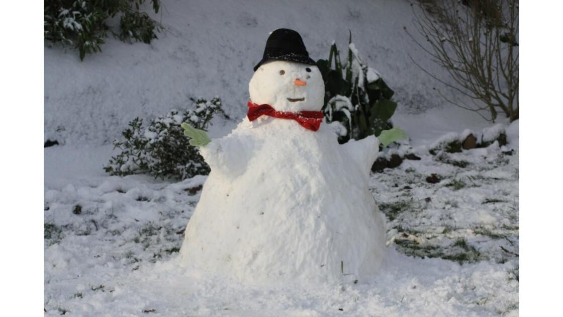 Notre bonhomme de neige !!!!