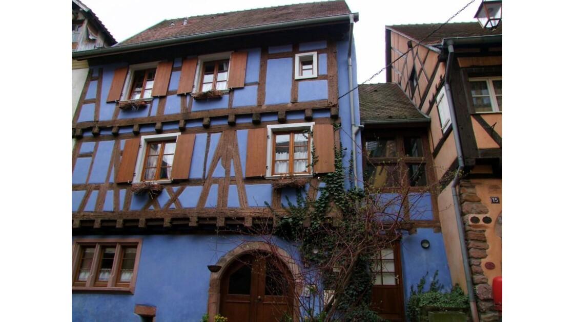 ALSACE Riquewhir La Maison bleue.JPG