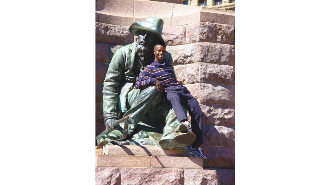 1des 2 Burghersdu monument Kruger