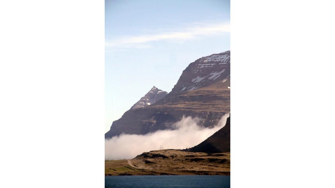 """""""Brume entre mer et montagne ..."""""""