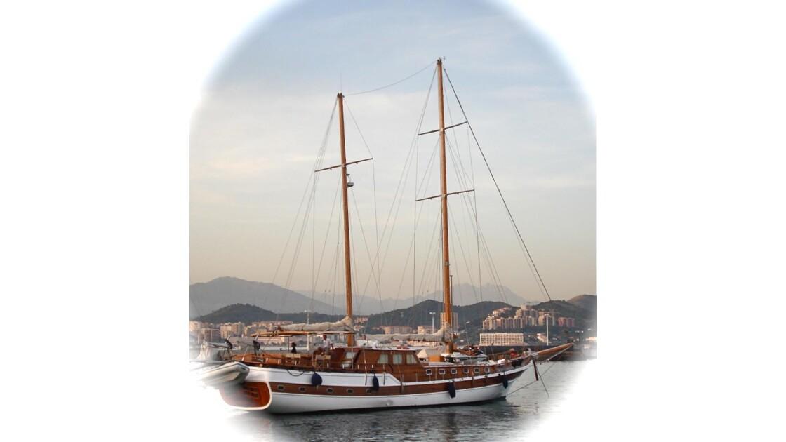le Sultane II arrive au port