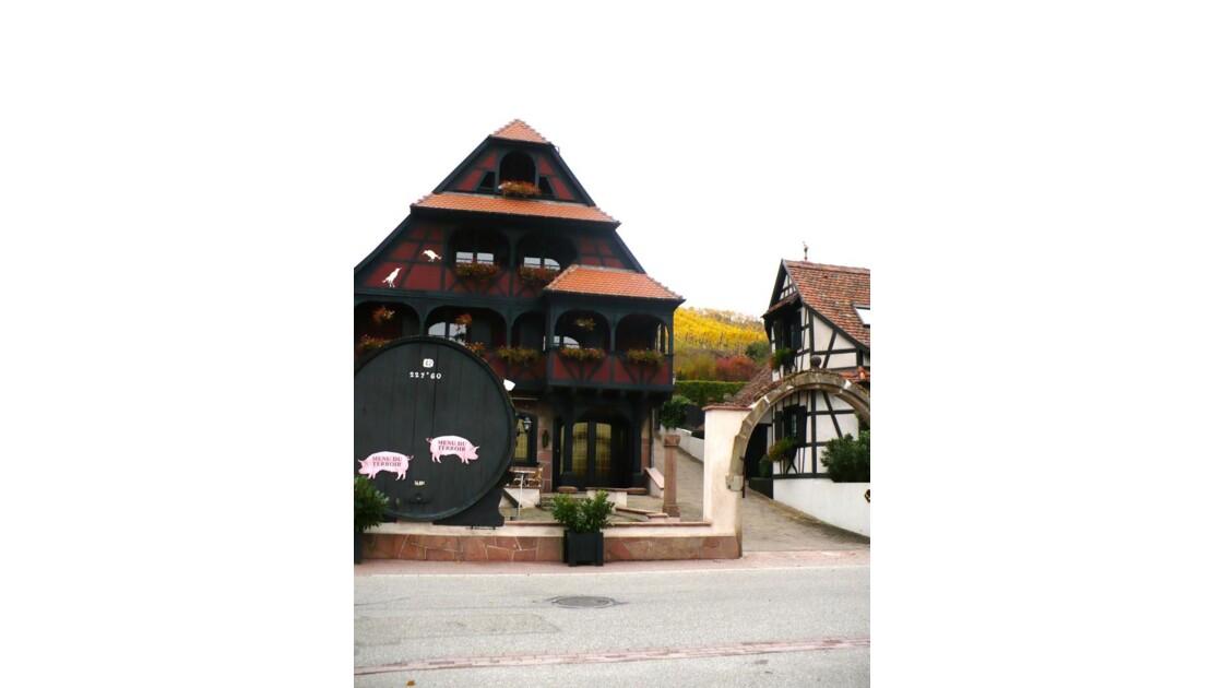 Le Tonneau et l'hôtel
