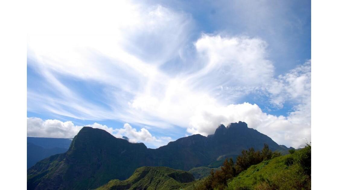 entre ciel et montagne.JPG
