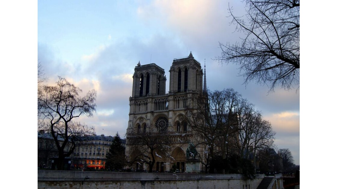 Fin d'aprés-midi à Notre-Dame