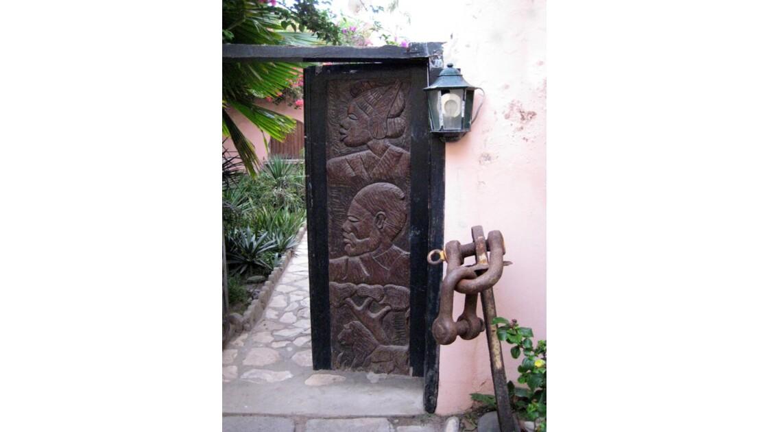Porte en bois - Ile de Gorée, Sénégal