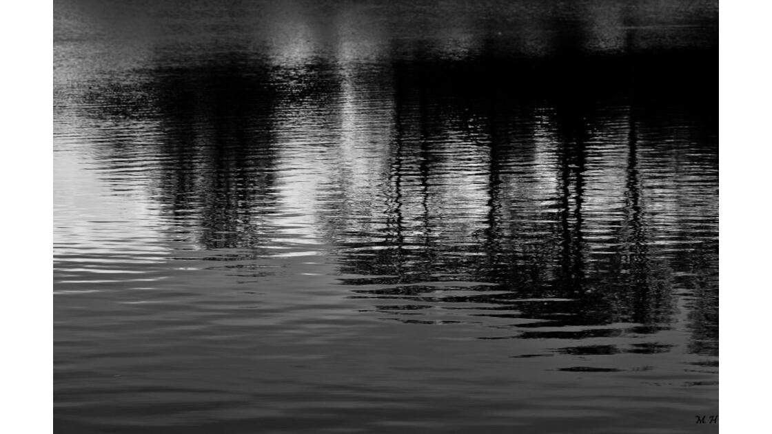 Le sombre en reflets