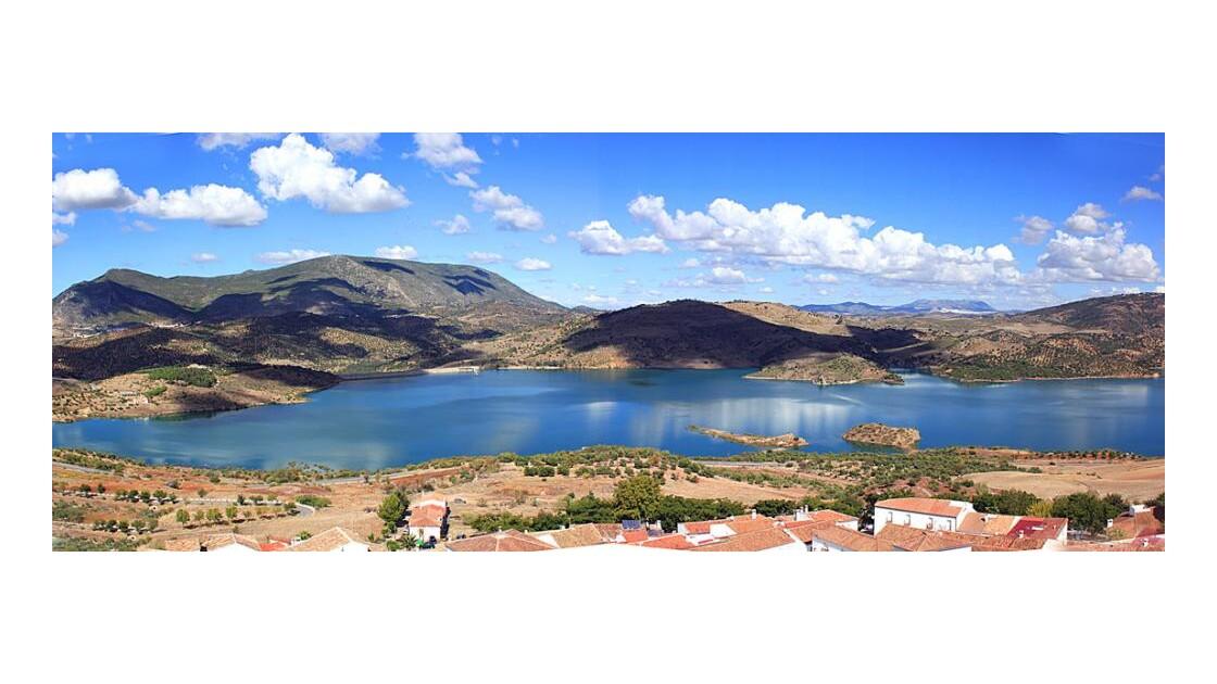 Panorama du lac artificiel de Zahara
