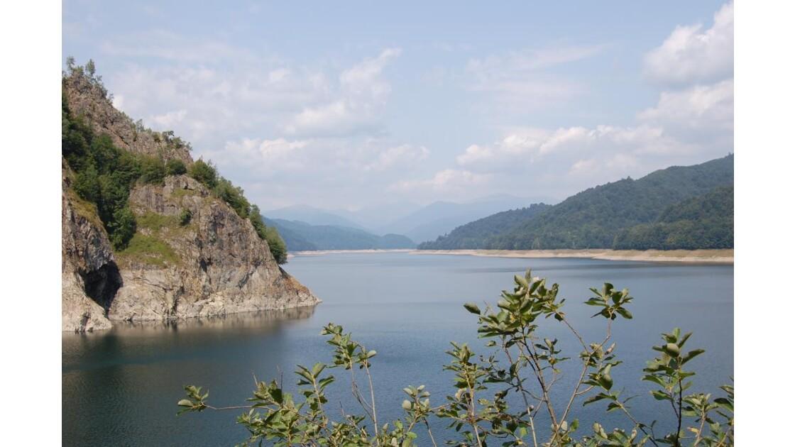 lac artificiel (barrage)