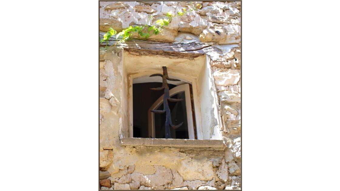 Fenestrou entrouvert_P6019246.jpg