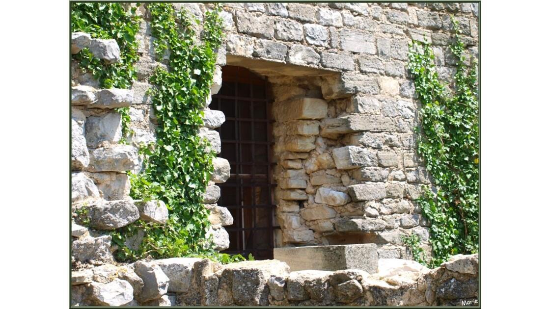 Extérieur et une porte d'entrée_P6019129