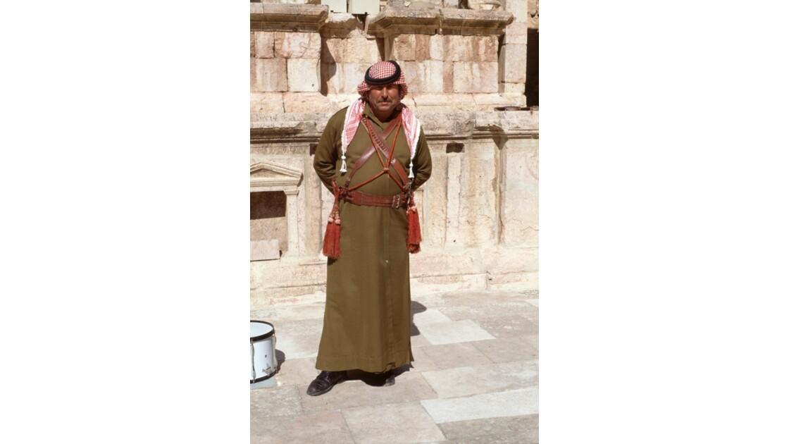 Jordanie. Jerash. Un ancien militaire co
