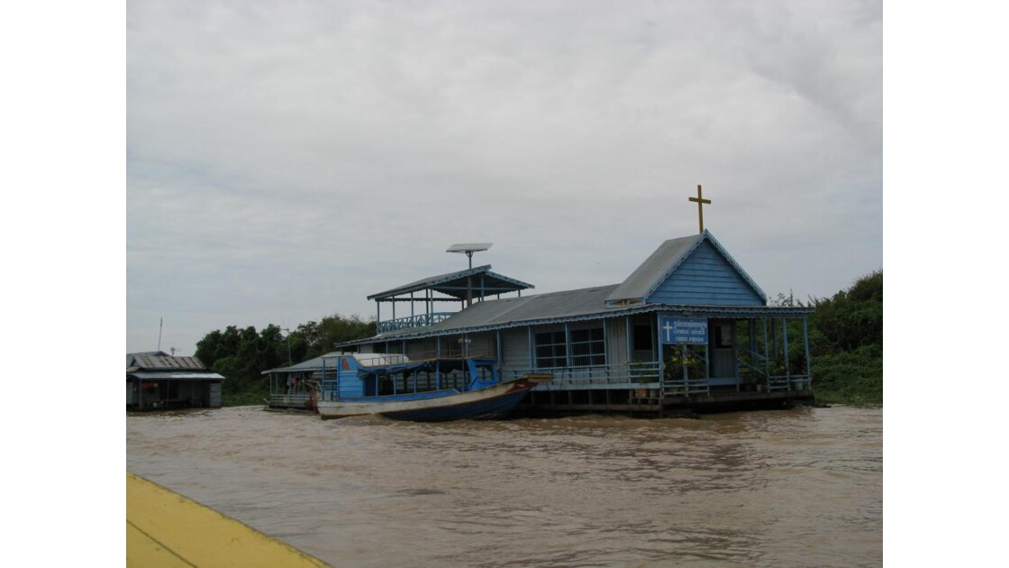 Lac Tonlé Sap chapelle