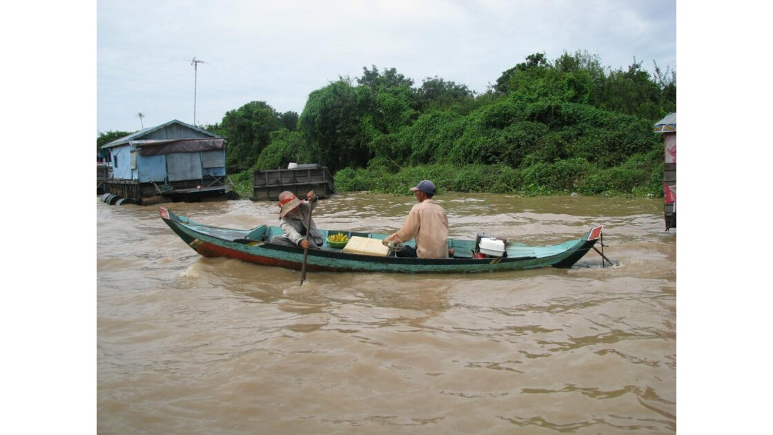 Lac Tonlé Sap  sur la barque verte