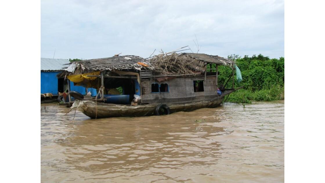 Lac Tonlé Sap maison flottante