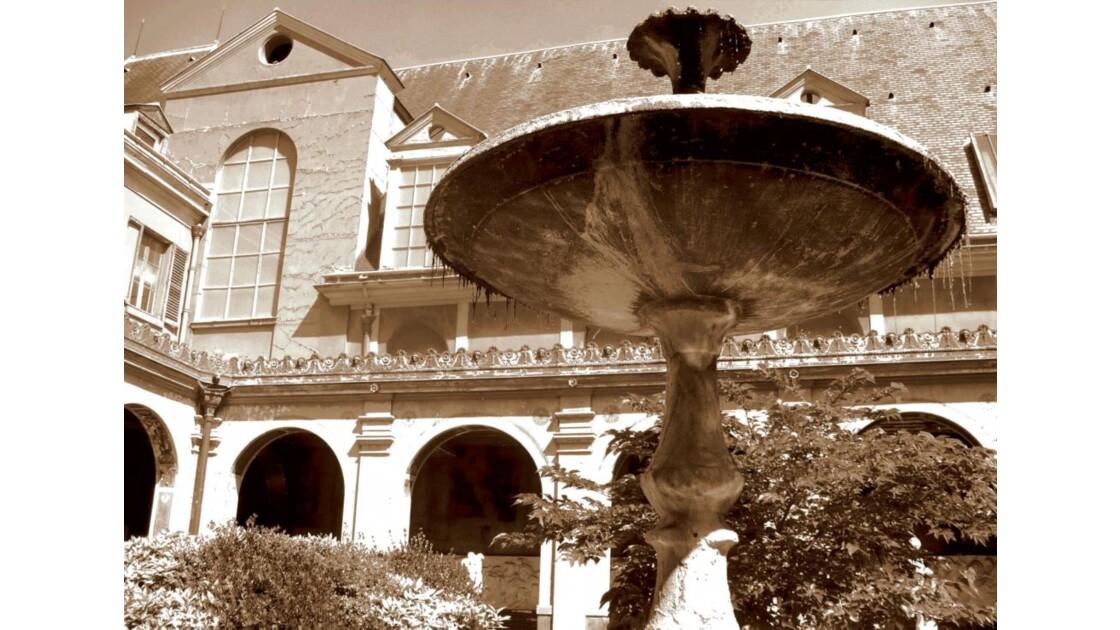 Fontaine sépia
