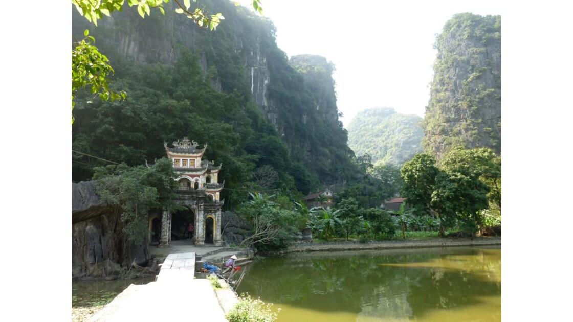 Vietnam-Pagode Bich Dong
