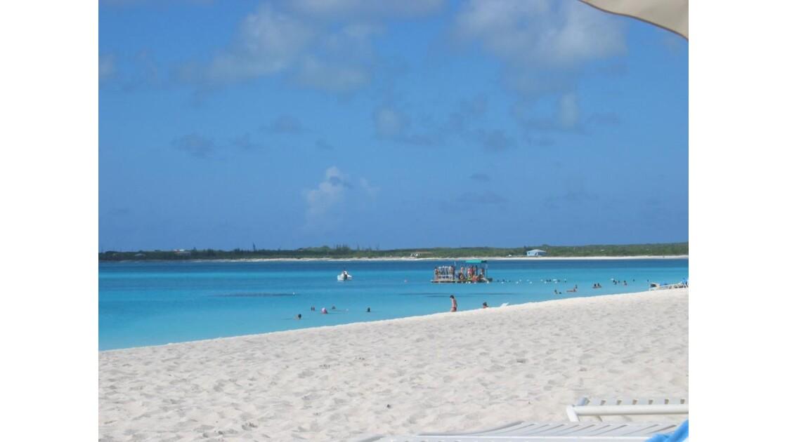Plage magnifique aux Bahamas