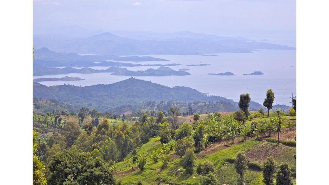 28-29 Lac Kivu