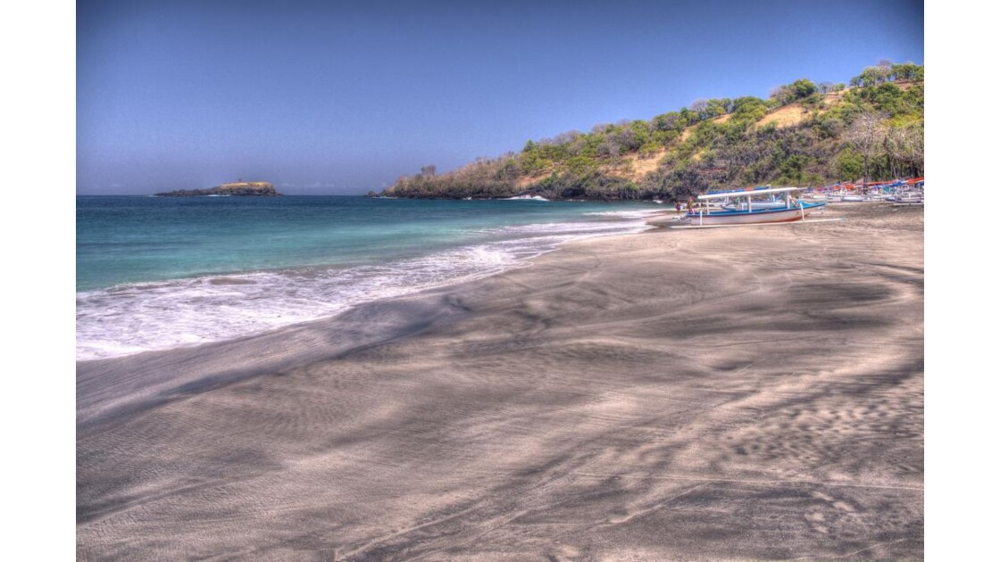 White_Sand_Beach.jpg