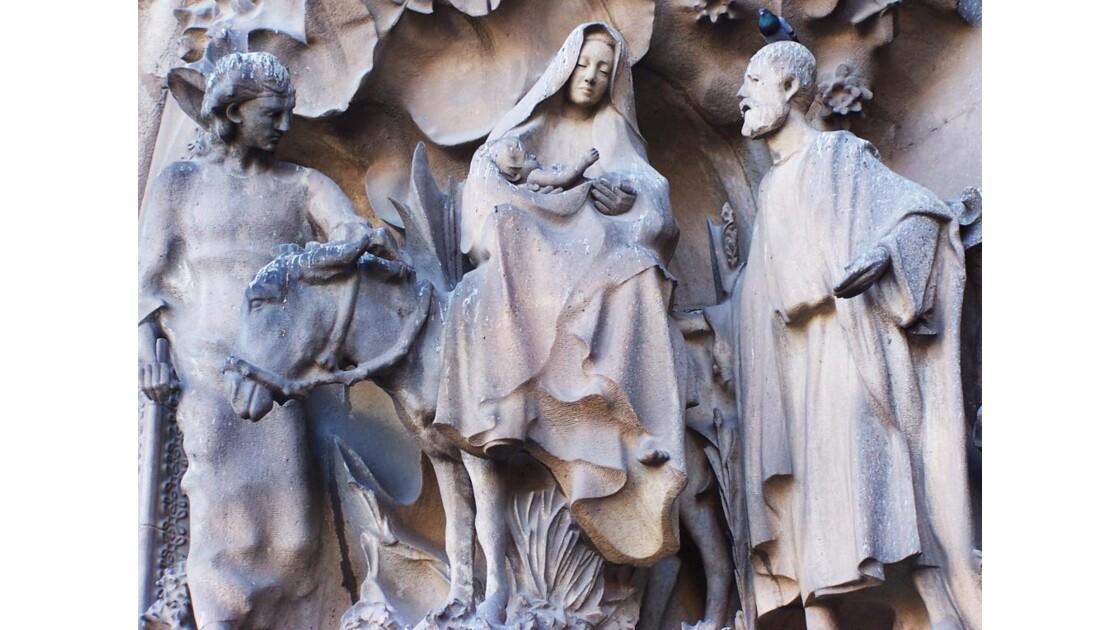 façade la Nativité, la seule achevée...