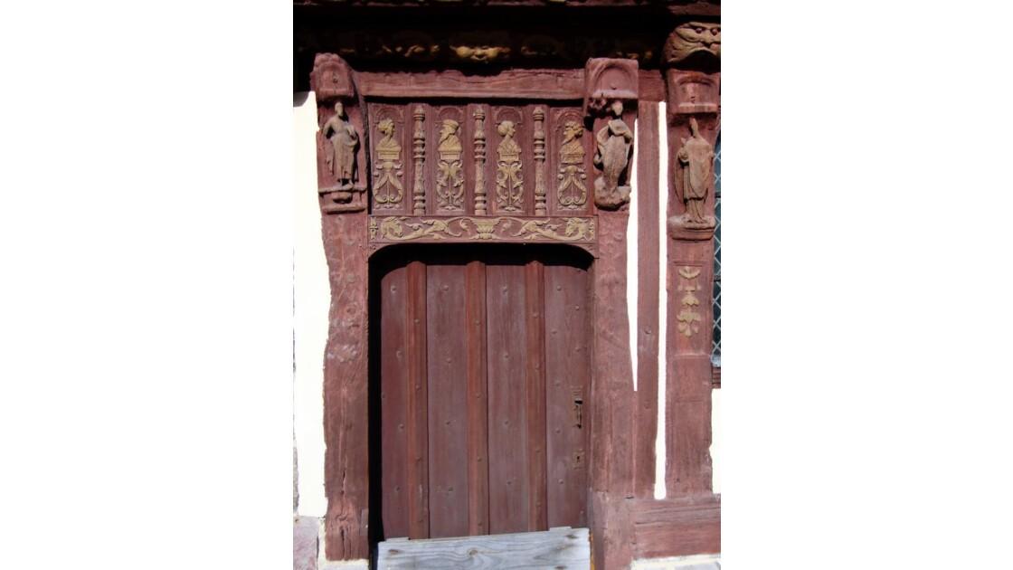 Détail porte de la maison Henri IV