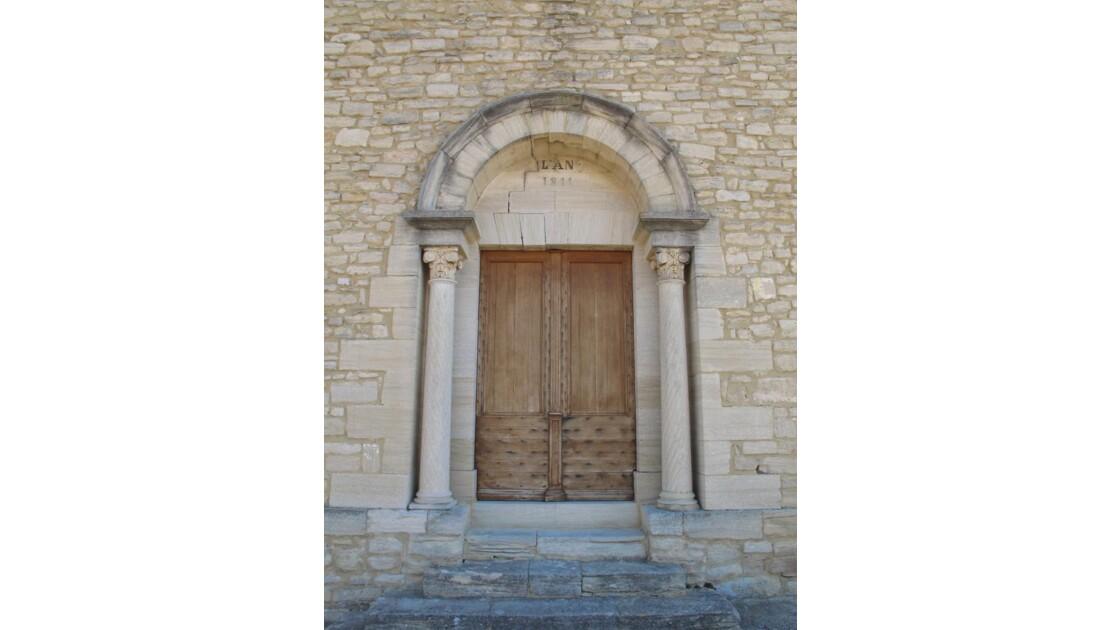 Crillon-portail de l'église