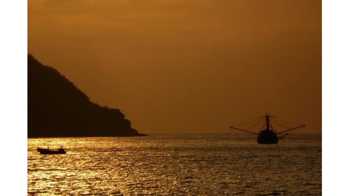 Coucher de soleil à Puerto Lopez