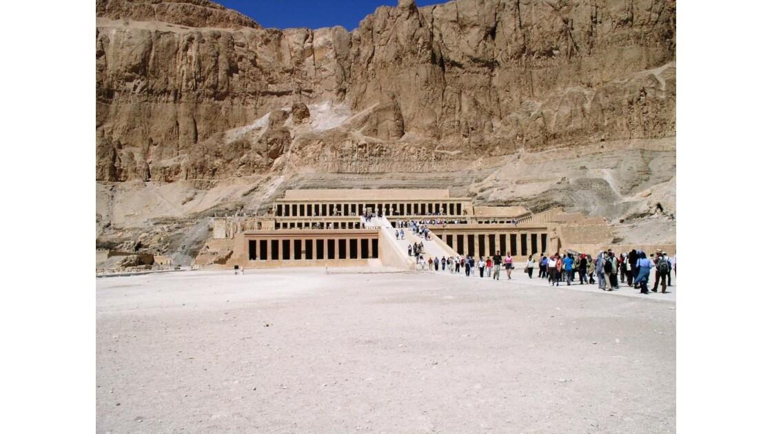 Le temple de Hapchetsout près de Louxor