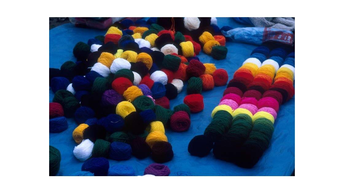 Pelotes de laine 01