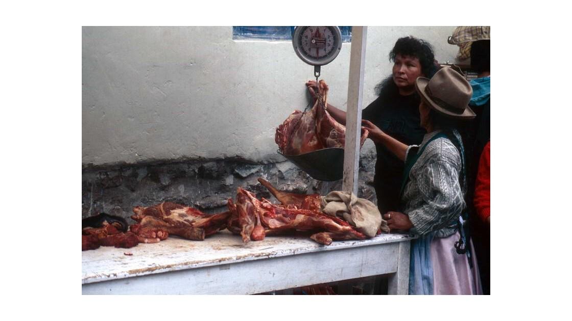 Boucherie en plein air à Pisco