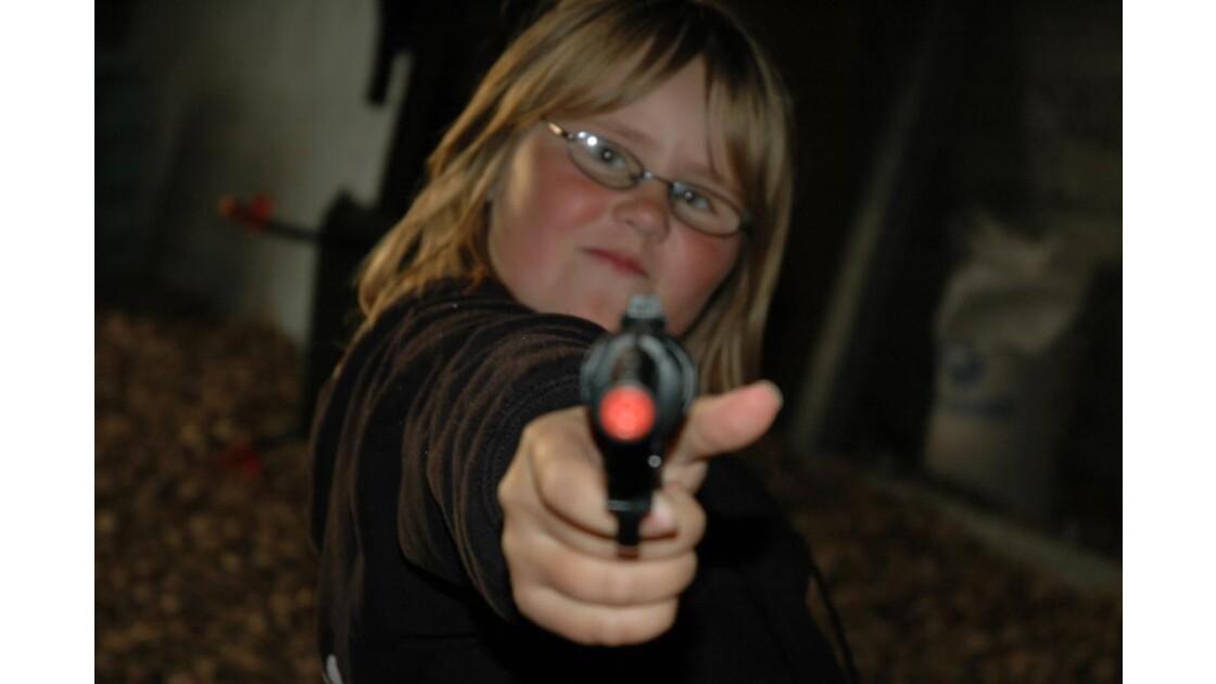 Iceland gun girl.JPG