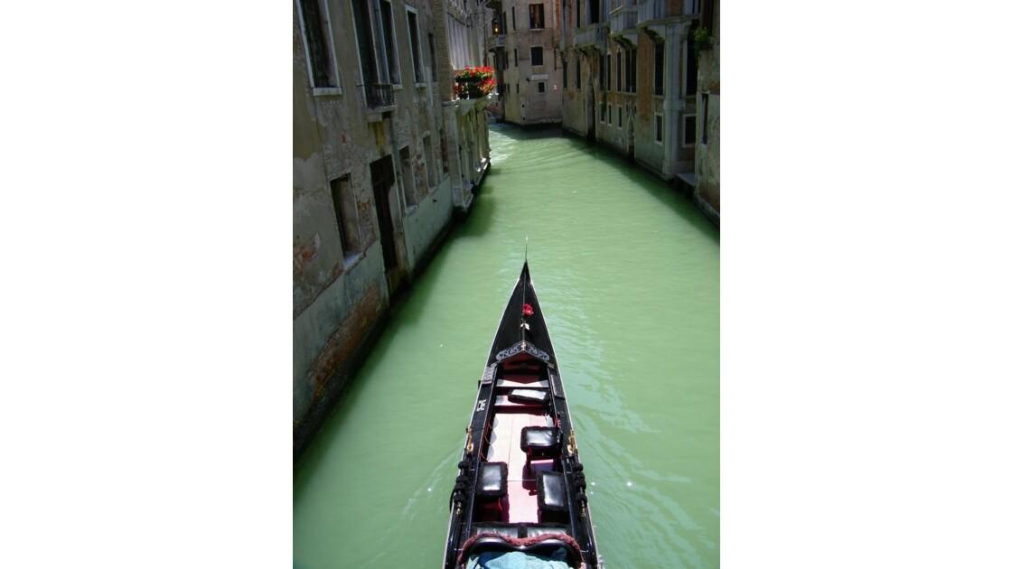 Sur le canal