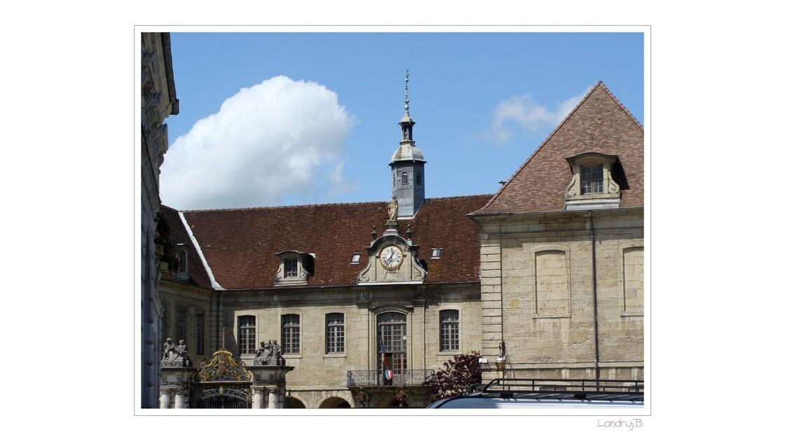 Lons le Saunier- Hôtel de ville