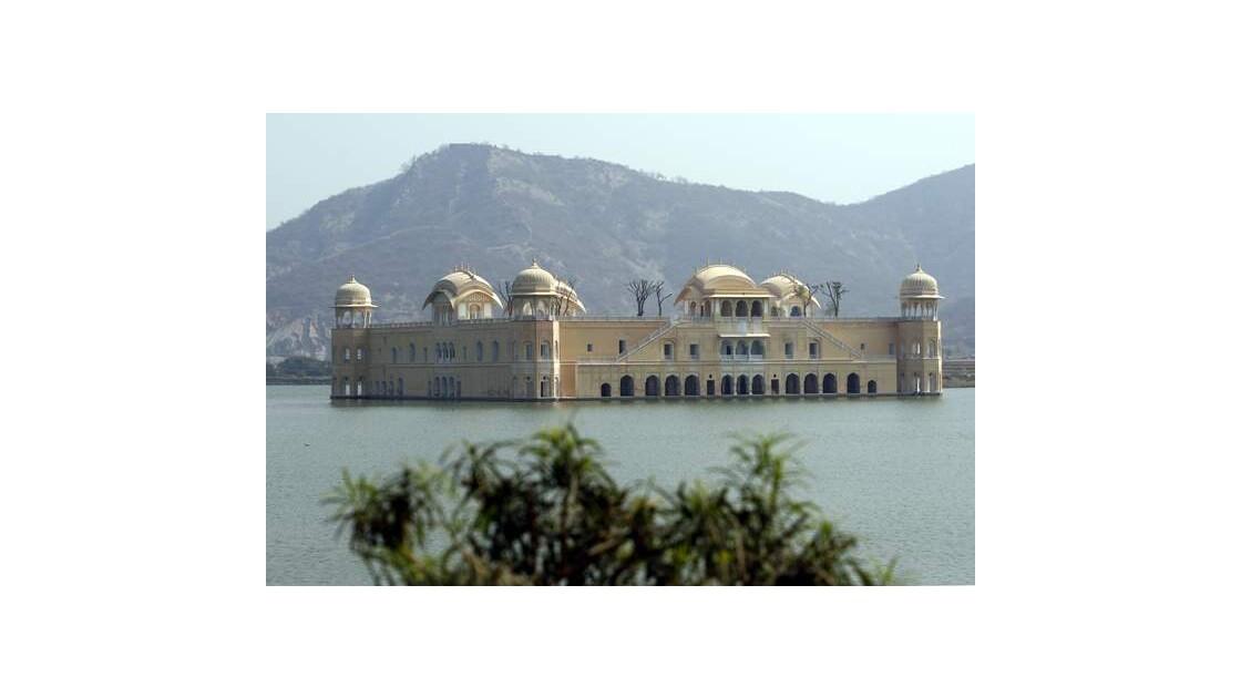 G41___Jaipur___environs___INDE__640x480