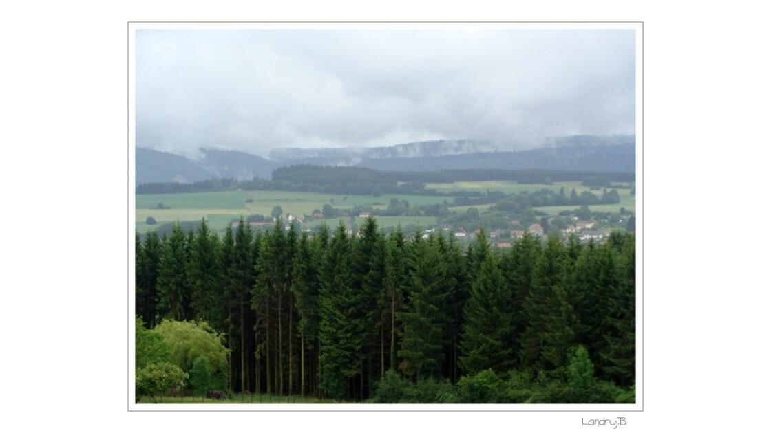 Vue sur les montagnes du Lomont