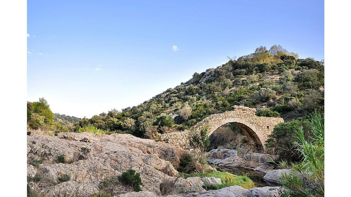 Pont des Fées - Grimaud (83)