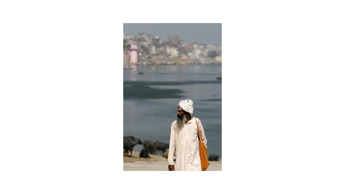J97___Varanasi___Benares___INDE__640x48