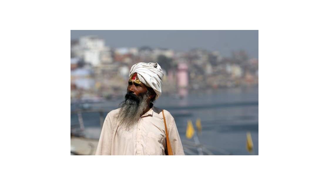 J98___Varanasi___Benares___INDE__640x48